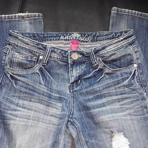 ALMOST FAMOUS JEANS